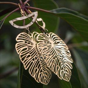 Jewelry - MONSTERA EARRINGS